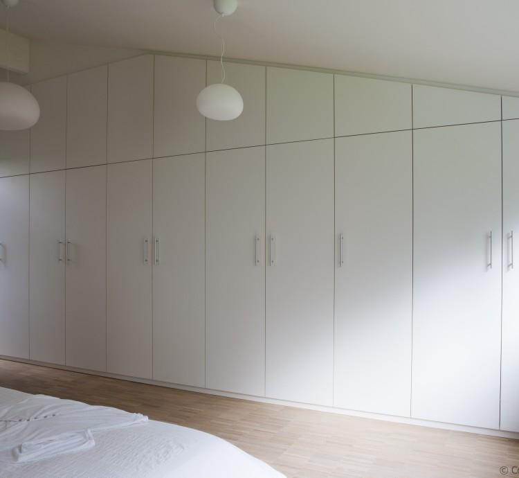 Dressing, maatwerk kasten geplaatst door Margo-Design In Melle